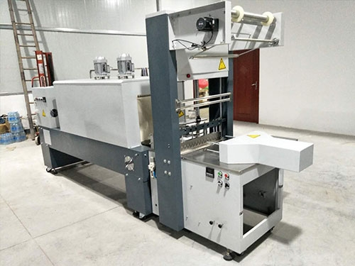 xsq-3000型半自动热收缩膜包装机